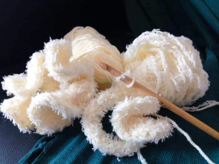Chouchou froufrou blanc